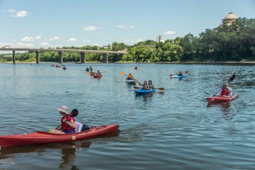 Kayakers joining RiverFest Celebration at Nesbitt Park